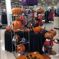 Halloween Merchandising En Masse 2