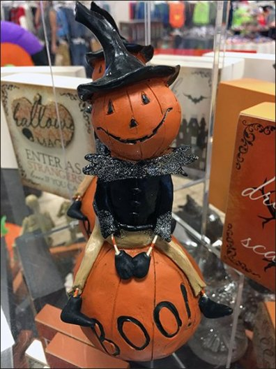 halloween-pumpkin-riding-pedestal-1