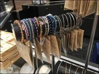 littman-jewelers-bracelet-hump-t-stand-2