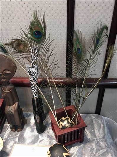 littmans-jewelers-diamond-party-peacock-feather-display-2