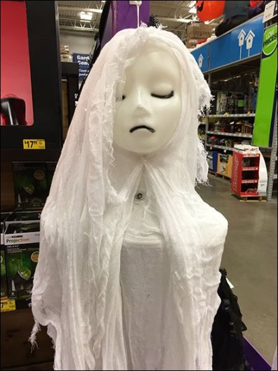 girlish-ghoul-corrugated-plastic-hook-2