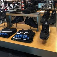 nike-sneaker-trestle-display-1