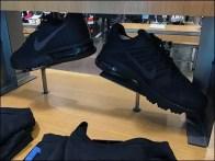 nike-sneaker-trestle-display-3