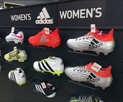 adidas-womans-sneaker-plug-in-wire-ledge-2