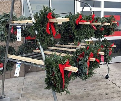 Do-It-Yourself 2x4 Lumber As Boxer Faceout For Wreaths