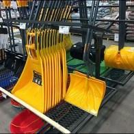 snow-shovel-rack-2a