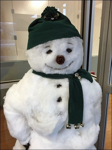Store Entry Snowman 2