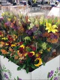 Warehouse Club Floral Pallet Display 3