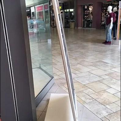 Uniqueform Store Entry Easel 3