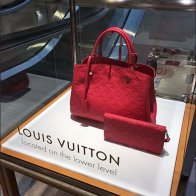 Louis Vuitton Museum Case Directional 2