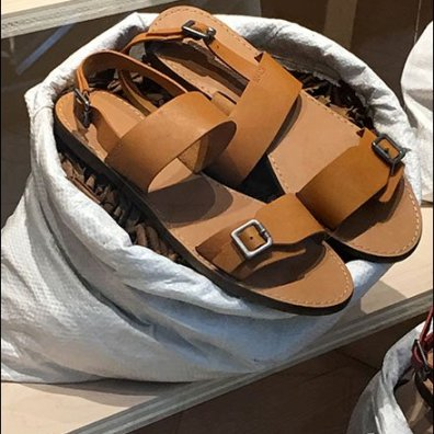 Sandals Sold In Sacks Visual Merchandising 6