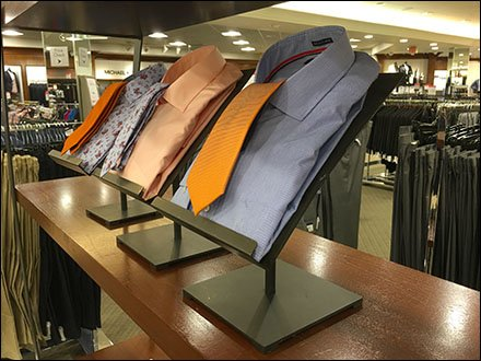 Dress Shirt Easel Step-And-Repeat Retail
