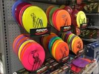InnoInnova Disk Branded Endcap Displayva Disk Branded Frisbee Display