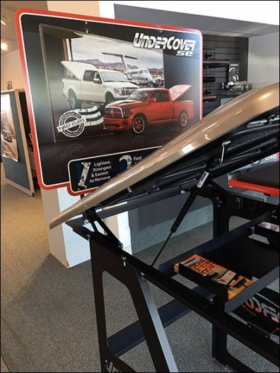 Undercover Tonneau Cover Display For Pickups