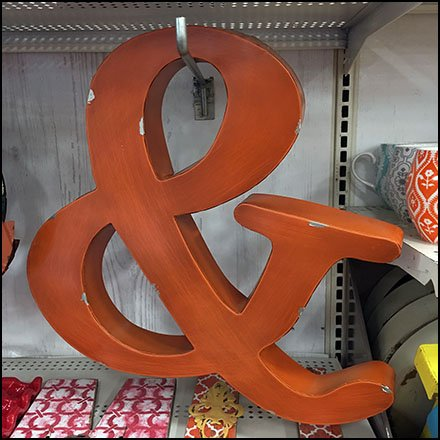Ampersand 90º Tip Hook Outfitting Feature