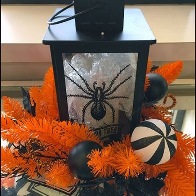 Halloween Lantern Merchandising Props