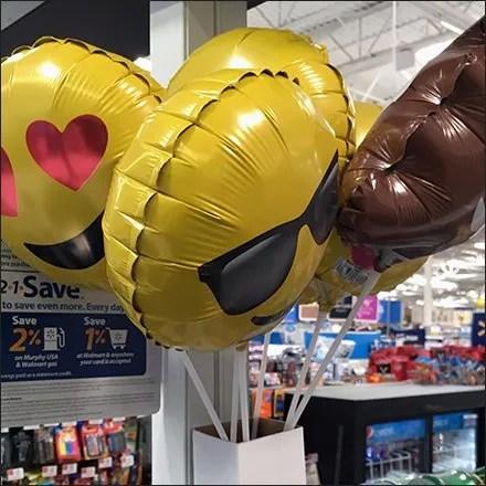 Balloon Carton as Quiver Mounts With Self-Adhesive