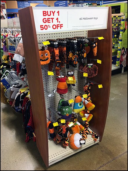 Halloween Pet Toy Endcap Display BOGO