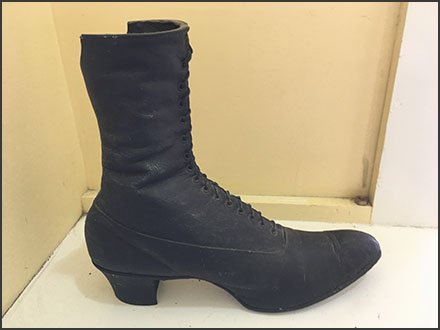 Rago Brothers Vintage Shoe Artifact On-Site