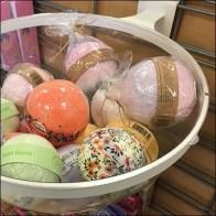 Acrylic Bowl Bulk Bin Slatwire Mounts