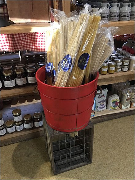 Wood Bucket Merchandising Maestri Pasta