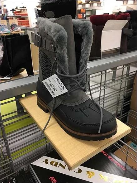 Wood Slatwire Ledges for Winter Boots