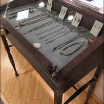 Danish Fashion Jewelry Display Case Anti-Theft