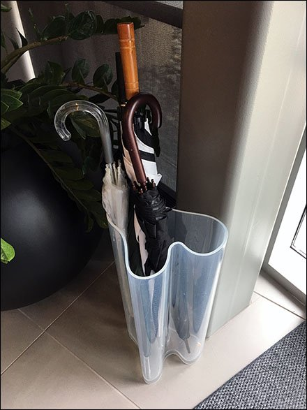 Sub-Zero Showroom Freeform Umbrella Stand