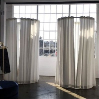Pop-Up Fitting Room Includes Full Length Mirror