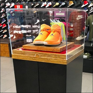 Pedestal Museum Case Promote Nike Orange