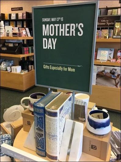 Mother's Day Gift Circular Island Display