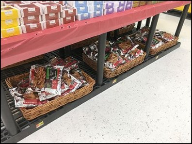 Wicker Basket Dunnage Rack Display
