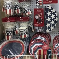 Americana Patriotic Partyware and Tableware Presentation Feature