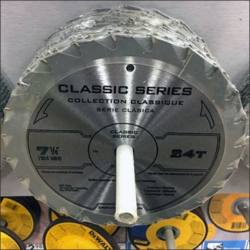 Circular Saw Blades Wall Pegged Feature