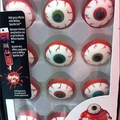 Eerie Eyeball Halloween Cake Decoration