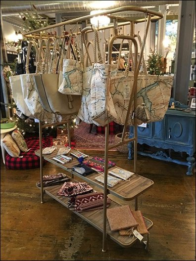 Perfect Purse Hook Merchandising Rack