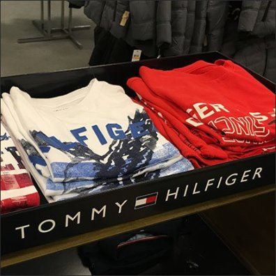 Oversize Tommy Hilfiger Branded T-Shirt Tray