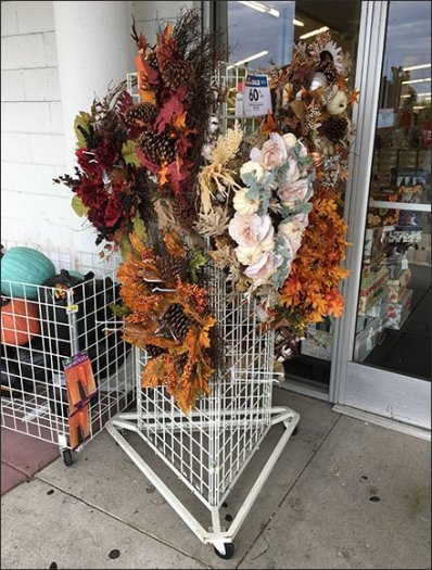 Triangular Gridwall Fall Wreath Display