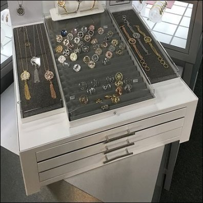 Fashion Jewelry Security Drawers Built-In Feature