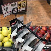 OXO Apple Divider Cross Sell Hook Feature