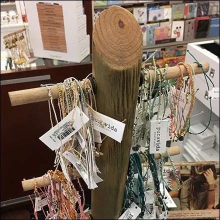 Puravida Bracelet Natural Tree Display