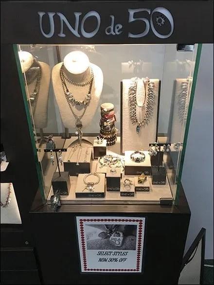 Uno de 50 Museum Case Design