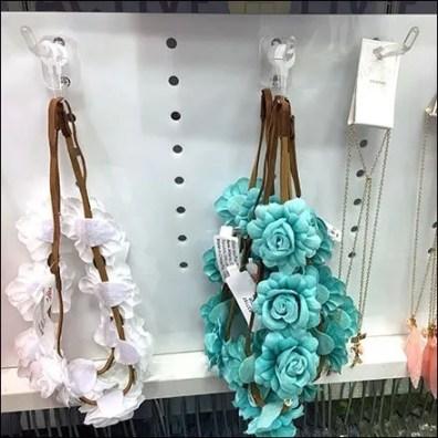 One-Lug Plastic Hook Pegboard Outfitting