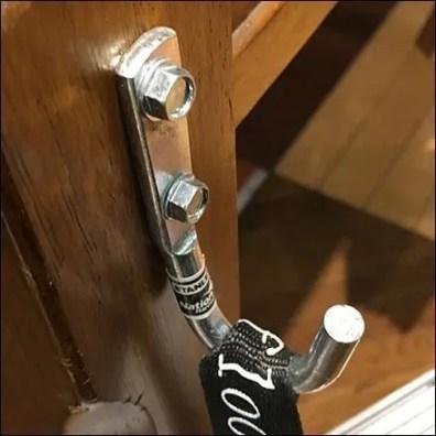 Sample Threaded-Fastener Simple Pin-Up Hook