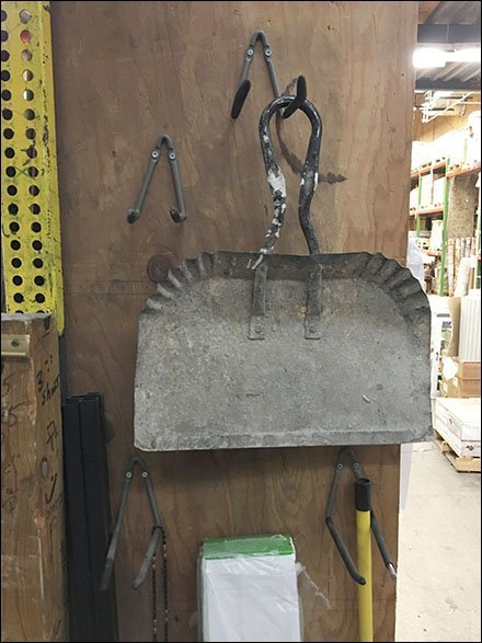 Single-Wire Twin Arm Utility Hook