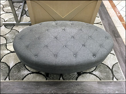 Deep-Button Tufted Oval Bench Seating