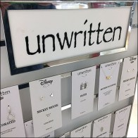 Unwritten-Rules Fashion Jewelry Display Feature