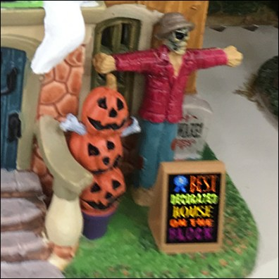 Lemax-Miniature Best-Decorated Halloween House