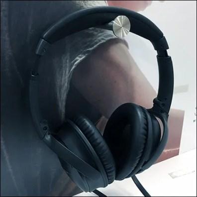 Bose Noise-Canceling Headphone Try-Me