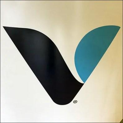 Vitamin-Shoppe Branded Circular Island Display